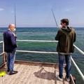 Assessore e presidente di Municipio a pesca insieme