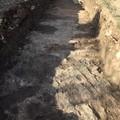 Lavori per il giardino di via Manzari a Ceglie, dal suolo spuntano reperti archeologici