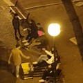 Bari, alle 18 chiudono i locali, ma i ragazzi sono assembrati al parco