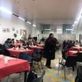 Bari, poliziotti e senza tetto a tavola insieme
