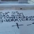 Scritte di buon compleanno sul lungomare di San Girolamo. Decaro: «Non amate Bari»