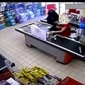 Rapine seriali nei supermercati di Santo Spirito e Palese, presi in due