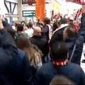 Il Bari promosso in Serie C, la festa dei tifosi all'aeroporto. Il video