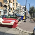 Bari, un divano al Libertà