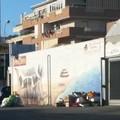 Bari, il murale invaso dai rifiuti: «Un colpo al cuore»