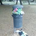 Bari, al parco di via Suglia cestini per cani pieni da giorni