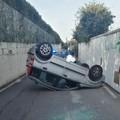 Brutto incidente a Palese, auto si ribalta