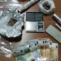 Spacciava droga in casa, arrestato 20enne a Putignano