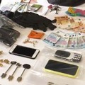 Svaligiano l'appartamento di una pensionata a Bari, arrestati