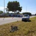Travolto da un'auto, muore ciclista 31enne a Monopoli