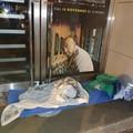 Bari, il cinema chiuso diventa rifugio per senzatetto