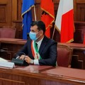 Bari, Decaro: «Potrebbero arrivare restrizioni per le scuole»
