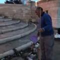 Pescatori puliscono il molo Sant'Antonio, Melini: «Destinare spazi a club di sport nautici»