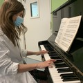 Policlinico di Bari, un pianoforte per cullare i neonati ricoverati