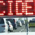 Mezzo pesante di traverso sulla tangenziale a Bari, traffico bloccato