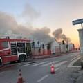 Bari, brucia di nuovo l'ex Ancora a Palese. Forse definitivamente