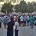 """Bari, manifestazione contro la  """"puzza """", Schingaro: «Non c'è tossicità»"""