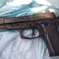 La pistola nelle mutande della suocera allettata, arrestato pregiudicato a Bari