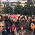 Le Sardine arrivano a Bari, manifestazione in piazza Prefettura