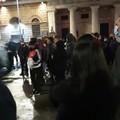 Bari, piccolo gruppo di manifestanti protesta contro le misure anti Covid