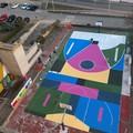 Un campo da basket diventa opera d'arte grazie al muralista di Bari Nico Skolp