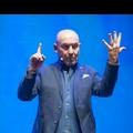 """Teatro Petruzzelli, in scena Maurizio Battista con """"30 anni e non li dimostra"""""""