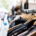 Rubano abiti da una boutique del centro a Bari, denunciate