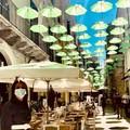Ombrelli verdi per le strade di Bari vecchia, l'iniziativa per la giornata della salute mentale