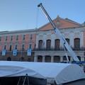 Bari si prepara alla visita del papa, prende forma il palco in piazza Libertà
