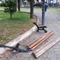 Vandali in azione in piazza Garibaldi. Distrutta una panchina
