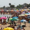 Caldo torrido su Bari e la Puglia, tutti al mare