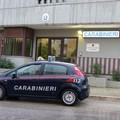 Gettano oltre 100 grammi di coca dal finestrino, arrestati due giovani a Putignano