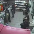Rapina al Dill's, arrestati due fratelli, uno ha solo 15 anni