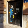 Tvboy fa indossare la tuta dell'Ilva a Di Maio per le strade di Bari