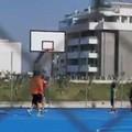 Niente abbracci e strette di mano, così a Bari riaprono i playground