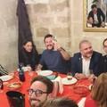 Salvini a cena in un ristorante di Bari, fra sorrisi e orecchiette con le rape