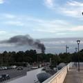 Continuano gli incendi a Bari, i cittadini scendono in piazza