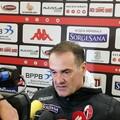 Bari-Sicula Leonzio 1-0, Vivarini: «Abbiamo tanto da migliorare». Simeri: «Con il mister sono rinato»
