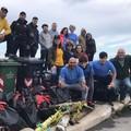 Volontari all'opera a Santo Spirito. Raccolti 79 sacchi di rifiuti sul lungomare