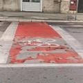 Bari, si sfoglia la vernice sulla nuova pista ciclabile di corso Vittorio Emanuele