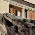 Bari, demoliscono un palazzo ma viene giù il muro confinante di quello adiacente, salvi gli occupanti