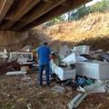 Bari, elettrodomestici usati abbandonati nelle campagne: sanzioni e denunce