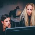 Il rosa domina in Asset Puglia, è donna il 58,3% dei dipendenti