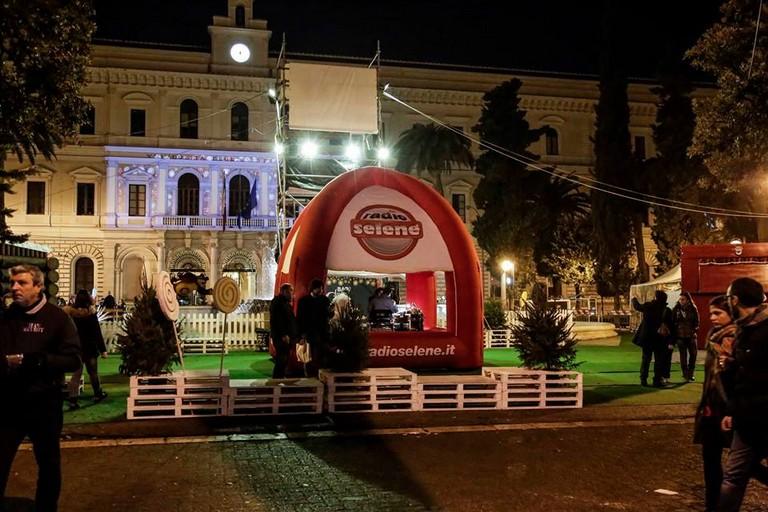 Inaugurazione in Piazza Umberto per il Villaggio di Babbo Natale