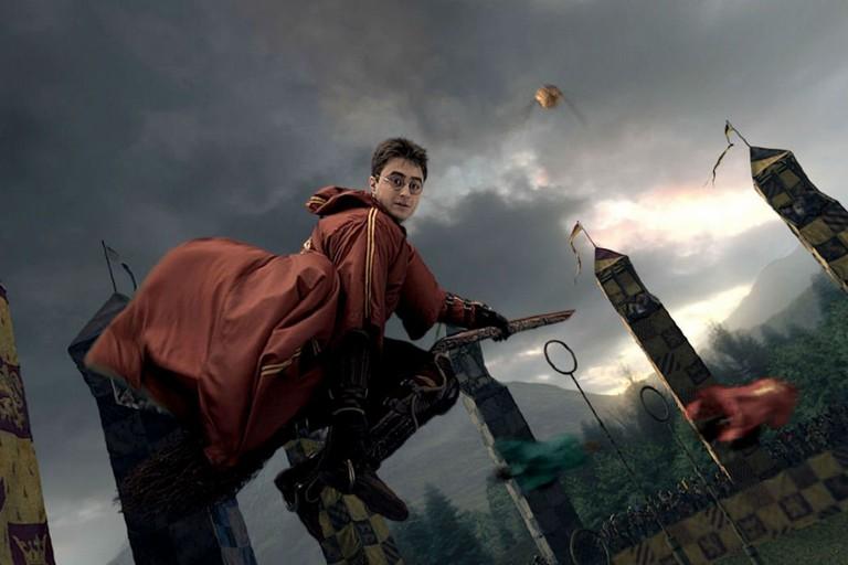 Harry Potter che gioca a Quidditch
