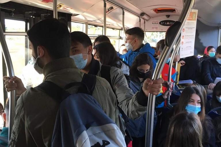 affollamento mezzi pubblici
