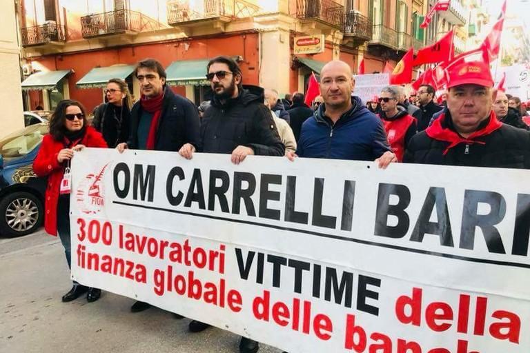 Crisi lavoratori Ex Om Carrelli, la lettera di una moglie a Emiliano
