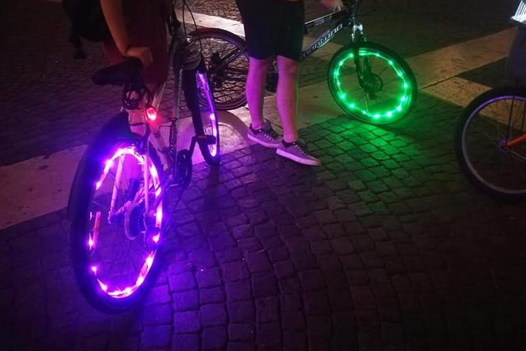 Una bicicletta illuminata