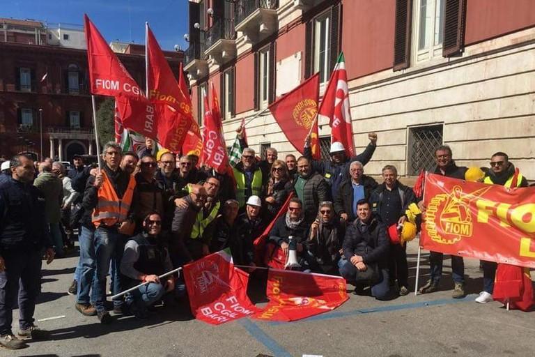 Il sit-in in piazza Libertà a Bari