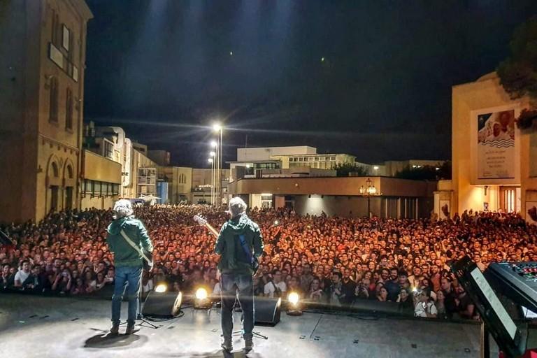 Gli Oesais. <span>Foto Pagina Facebook Antonio Decaro</span>